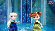 Elsa and Anna Toddlers Playing in the Snow! Do you wanna build a Snow Man   Frozen Surprise Eggs-hF