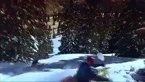 Énorme : Deux hommes font du kayak sur de la neige !