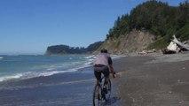 En vélo il va partout : plage montagne ville foret !