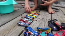 Hot Wheel Cars In The Potty and Toy Crane Fun-Mkc5wNt