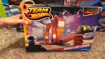 Hot Wheels Double Loop Launch Stunt Set with Launcher and Jump Toy Review-Hhq9obNk