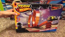 Hot Wheels Double Loop Launch Stunt Set with Launcher and Jump Toy Review-Hhq9
