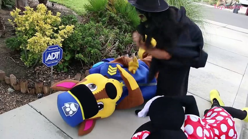 Why is Paw Patrol Chase Kissing Minnie? w/ Jealous Mickey Mouse, The Witch & Joker in Real