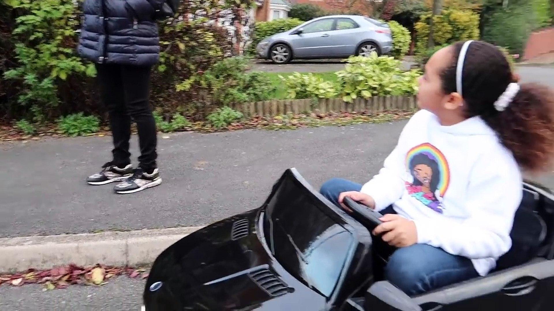 Плохо Дети вождение мощность колеса поездка Кому Макдоналдс водить машину через шалость мощность кол
