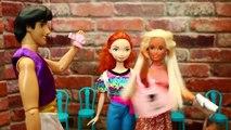BARBIE GOES CRAZY!!! Disney Princess & Barbie Parody Aladdin Steals Money and Car Wash Dis