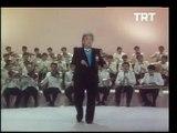 Zeki Müren - Gözlerin Doğuyor Gecelerime (TRT Arşivi)