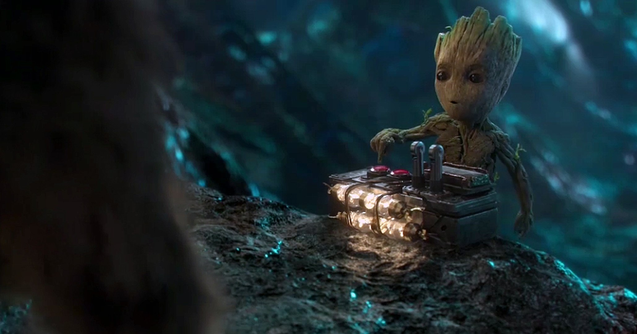 Guardianes de la galaxia 2 - Clip en español exclusivo con Rocket y Baby Groot