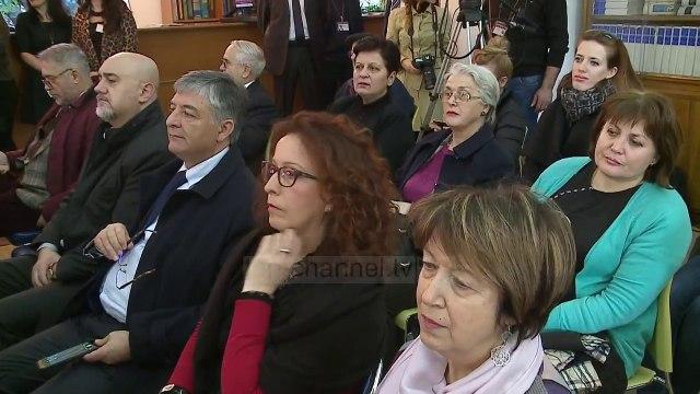 Dosjet hapen me Musine Kokalari - Top Channel Albania - News - Lajme
