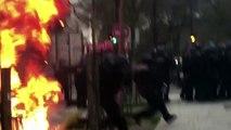 Des CRS attaqués au cocktails molotov pendant une manifestation contre les violences policières