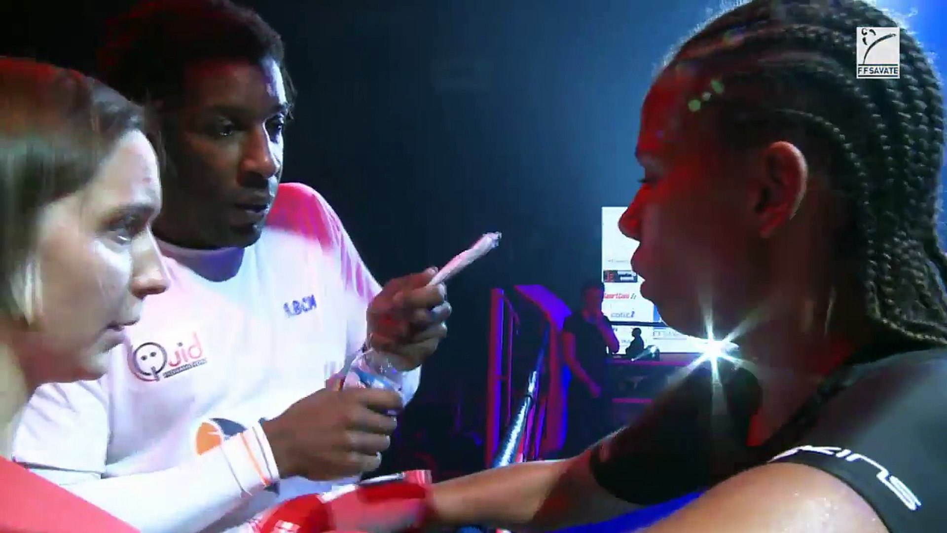 SAVATE BOXE FRANCAISE - FINALE ELITE A 2017 - Cat.F70 : Kanelle LEGER vs Cyrielle BORIES