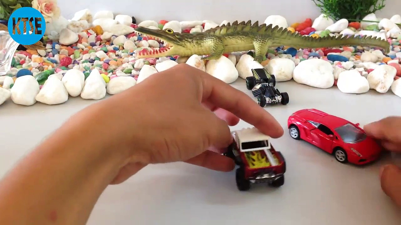 Watching with 15 Dodge Charger Srt | Custom Ford Bronco | Die-Cast Car