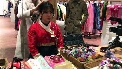 Japanese YouTuber Yu Kagawa Tried on Hanbok at Gyeongbokgung palace