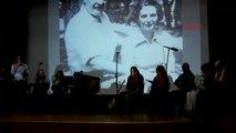 Izmir Dünya Şiir Günü Foça'da Nazım Hikmet Şiirleri ve Şarkılarıyla Kutlandı