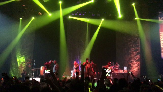 "Wu-Tang Clan performs ""Wu-Tang Clan Ain't Nuthing Ta F' Wit"" LIVE"
