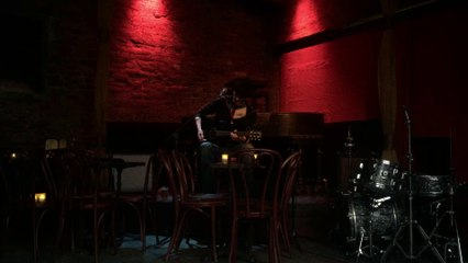 Slim Paul of Scarecrow performs live acoustic blues in NYC