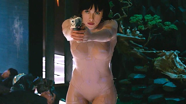 Ghost in the Shell with Scarlett Johansson - Extended 'Building Jump' Clip