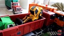 Garbage Truck Videos For Children l TOY TRUCK BATTLE Jumping Ramps l Garbage Trucks Rule-SLRJAK7