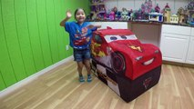 HUGE DISNEY CARS LIGHTNING MCQUEEN SURPRISE TOYS TENT Big Egg Surprise Opening Disney Cars ToyReview-hi-ypB6