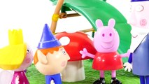 Play Doh Ben and Hollys Little Kingdom Magical Slide with Peppa Pig and Bubble Guppies To
