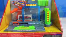 FASTLANE COLOR CHANGE CAR WASH WITH HOT WHEELS COLOR SHIFTERS & DISNEY CARS COLOR CHANGER