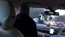 Une policière fait souffler dans le ballon le passager au lieu du conducteur