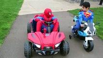 SUPERMAN vs SPIDERMAN POWER WHEELS RACE GIANT SURPRISE TOYS KIDS opening PLAYTIME AT THE PARK batman-b3