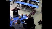 En plein repas, il sauve la vie de son camarade de classe qui s'étouffe