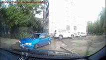 Les accidents de la voiture chez les femmes ✦ Les femmes qui conduisent échouent ✦ la