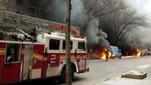 Incendie de 8 voitures dans une rue de New York à cause d'essence !