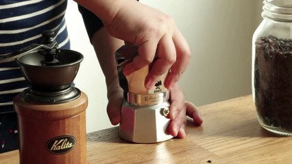 How to make a Latte (Caffe Latte) at home