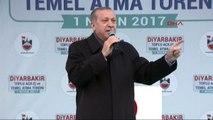 Diyarbakır - Erdoğan PKK Yanlıları 'Barış Barış' Diyor, Soruyorum; Elde Silah Varken Barış Olur mu 2