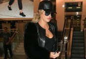 Khloe Kardashian Swarmed By Paps, Goes Ape At LAX