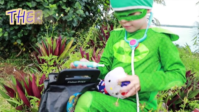 PJ MASKS BRAIN SURGERY Operation in Hospital With Doctor Gekko Cutting Open Guts Brains Hello Kitty