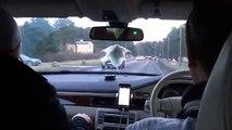 Une policière fait souffler dans le ballon le passager au lieu du conducteur ! PTDR !