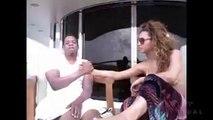 Beyoncé compile des images inédites de sa vie dans son dernier clip