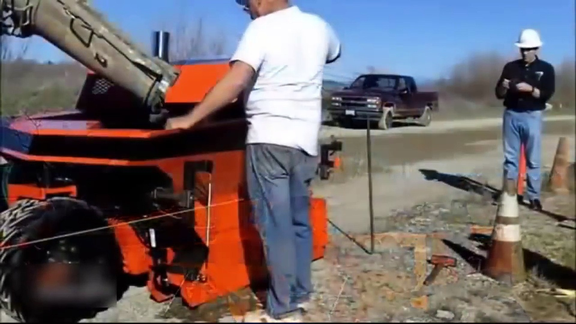 Latest Technology 2017 Mobile Concrete Slipform Curb Machine New Model-fOG9jomfOws