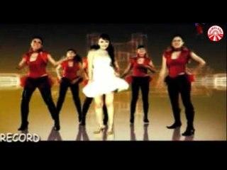 Ria Amelia - Aku Tak Biasa [Official Music Video]