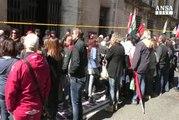 Al via trattativa Alitalia tra azienda, sindacati e governo