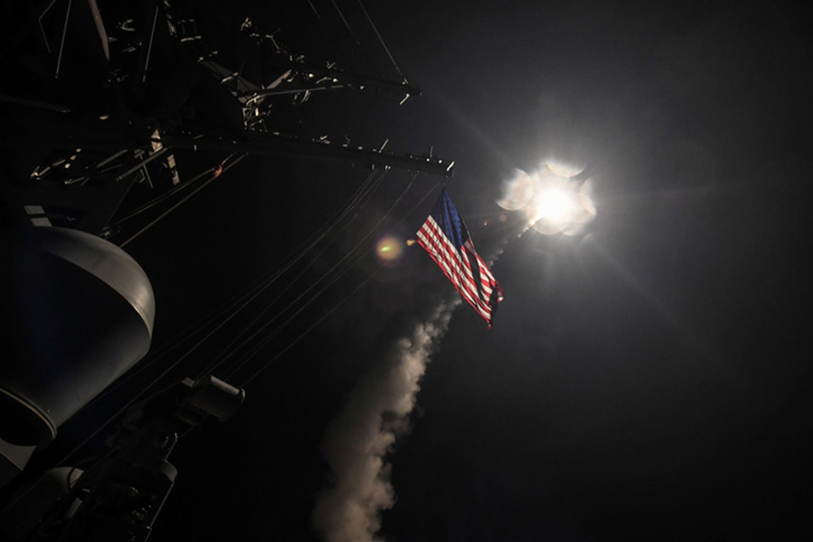 U.S. launches missiles at Syrian base over chemical weapons attack
