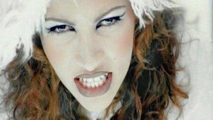 Ysa Ferrer - A Coups De Typ-Ex