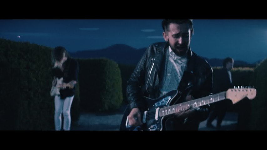 Eliza And The Bear - Lion's Heart