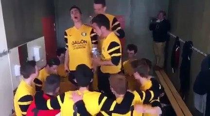 Joie des U17 A après leur victoire en 1/4 de Finale de la coupe du District