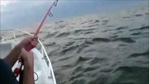 Attraper un poisson déjà avalé par un autre... peche miraculeuse
