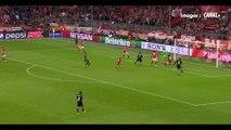Manuel Neuer embrouille Cristiano Ronaldo