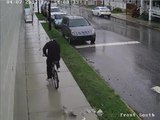 Il braque une banque a vélo est commet une grosse erreur.