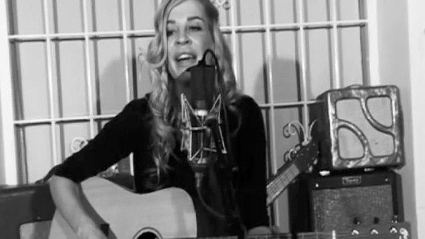 Camela Leierth - So Sad - Acoustic Live Version