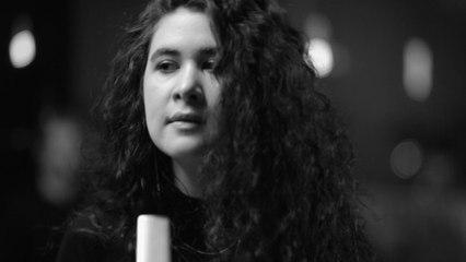 Sara Hartman - Two Feet Off The Ground