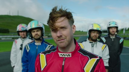 Kaiser Chiefs - Hole In My Soul - Behind The Scenes