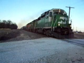 BN GP39E 2760 heads through Coal City