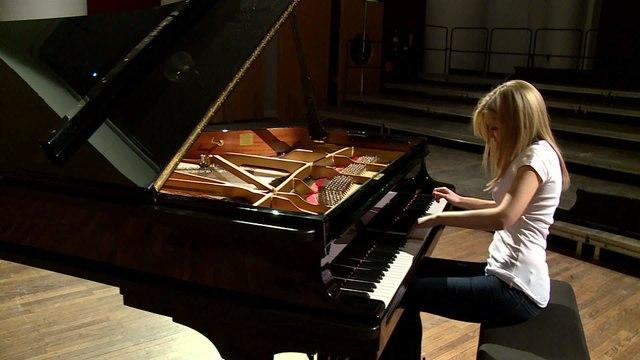 Vanessa Benelli Mosell - Stockhausen: Klavierstück VII